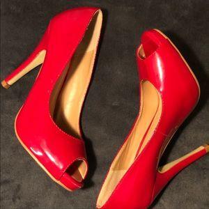 Brinkley & Co peep toe heel red size 6